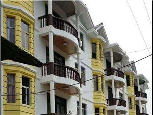 有房产证暂无人住三楼一底总价56万