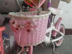 家有孩子自行车一辆,适合3到6岁宝宝使用,价格面议。有意者电话联系,非诚勿扰!