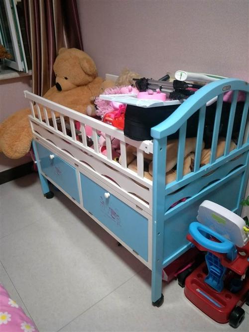 婴儿床卖放大床没地底价出售