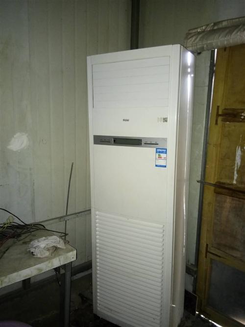 海尔柜机     九成新    三项电空调