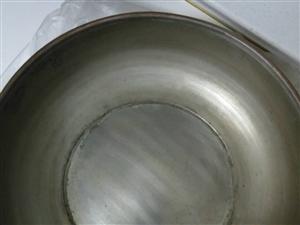 紫銅鍋只用過一兩次,直徑26,一個32一個