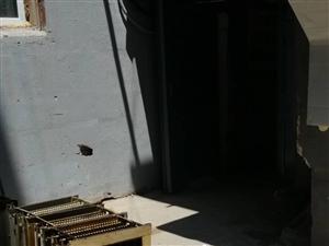 小区单元门口的陷阱