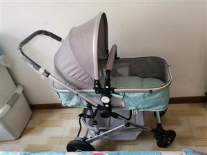 高觀嬰兒車,9.5成新,四輪橡膠輪,配有餐盤,扶手,杯架等便宜出售有意者加微信