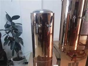 高端��酒罐,可��扎啤�C使用,全新未使用。