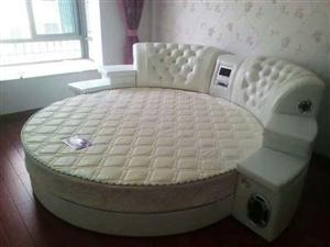 2米床板  算床头最长处 2米3   带音响高音质能放碟能插U 盘  9成新   床垫和铺的圆床四件...