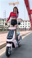 美女骑行走秀