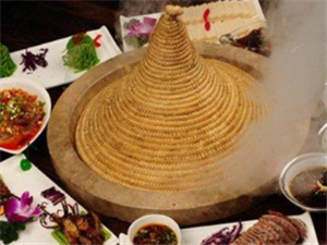 云南蒸汽石锅鱼、石锅鸡形象图