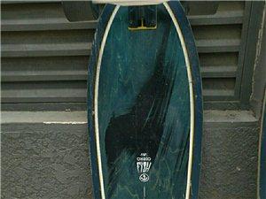 滑板出售快来看看