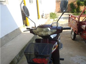 本人有一辆闲置嘉陵摩托车,烧汽油的,30的发电机,4个档,紫红色8成新,闲置半年多了,好启动。接手直...