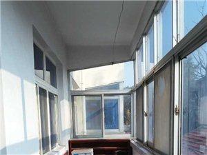 172农业局家属院精装2室2厅1卫36万元出售